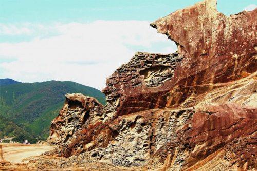 土佐清水 見残し奇岩