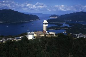 舞鶴 五老スカイタワーと舞鶴湾